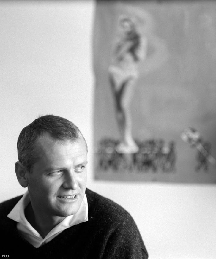 Nepp József rajzfilmrendezõ a Pannónia Filmstúdióban 1965-ben.