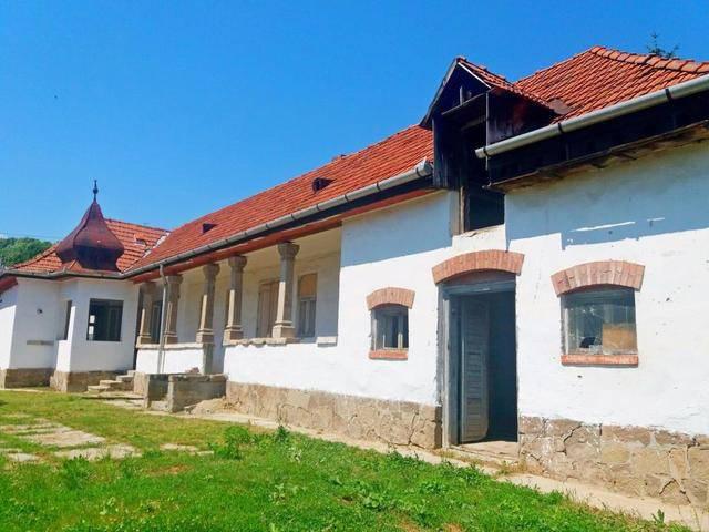 Szomolya kúria