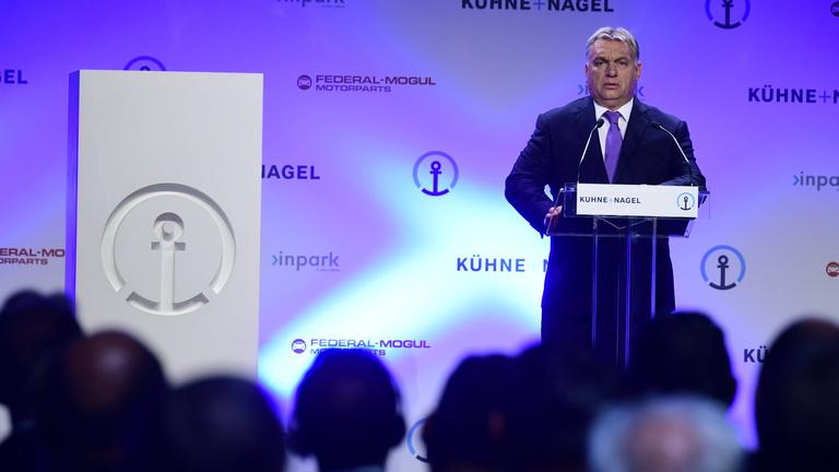 Orbán: Ipari parkokkal fogjuk lefedni Magyarországot