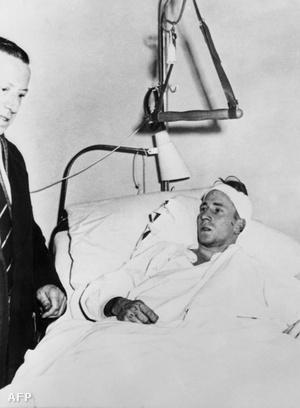 Bobby Chartlon repülőgép-baleset után a kórházban