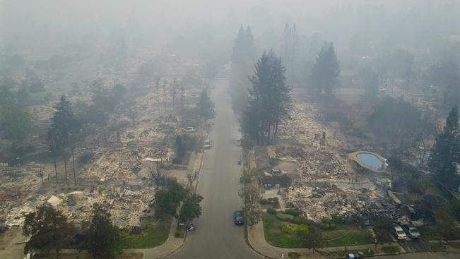 Hatalmas tűz tombol Kaliforniában, több szálloda és a leghíresebb borvidék is leégett