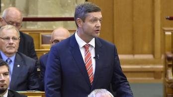 Az MSZP lemond egy csomó ellenzéki fegyverről