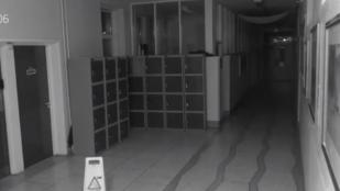 Folyosón randalírozó szellemtől rettegnek egy iskola tanulói