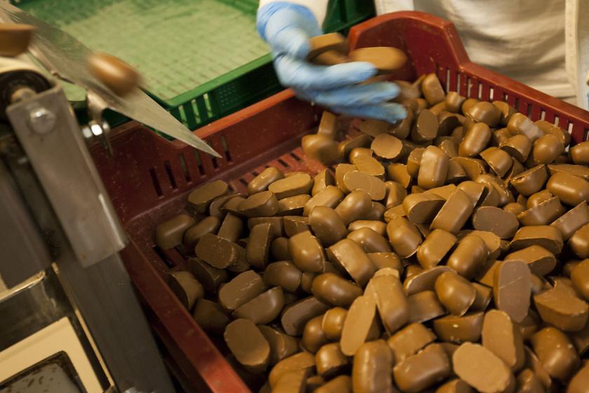 Már készül a szaloncukor: étvágygerjesztő fotók a karácsonygyárból