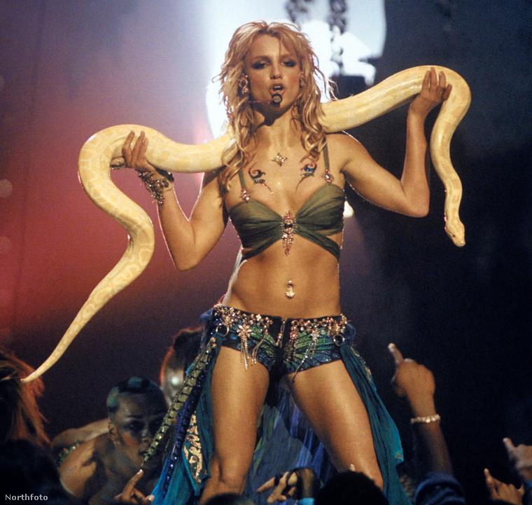Bizony, annak ellenére, hogy Britney Spears sokáig állította, hogy szűz, már rég nem volt az, mikor megjelentek az első slágerei