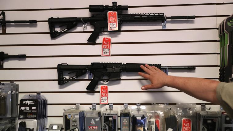 Mi kell ahhoz, hogy Amerikában máshogy nézzenek a fegyverekre?
