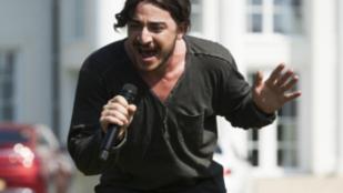 Bevonult a pszichiátriára az X-faktort feladó énekes - hírek szürke reggel mellé
