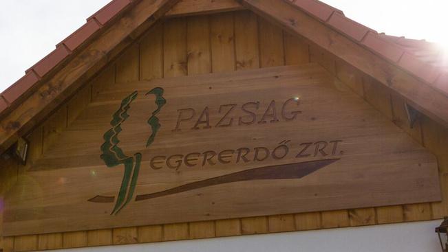 Hatszobás turistaházat adtak át a Bükkzsérc közeli erdőben