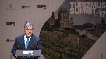 Orbán: Nem szolgálhatjuk fel papírtányéron az aranyalmánkat, legalább ezüsttálca kell