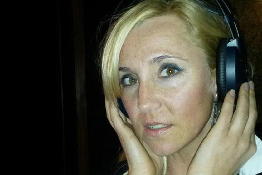 Elhunyt a 42 éves magyar énekesnő - Édesanyja tudatta a '90-es évek sztárjának halálhírét