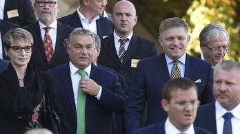 Orbán és Fico tette le az új Duna-híd alapkövét