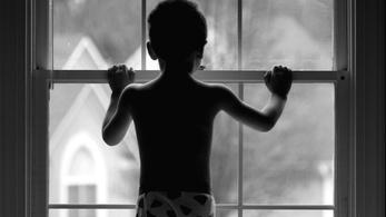 Szigorú csapást mér a gyerekek zaklatóira a Fidesz