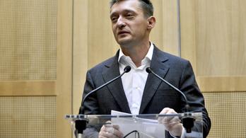 Rogán elismerte, hogy a multik fizették ki a Fidesz vendégét