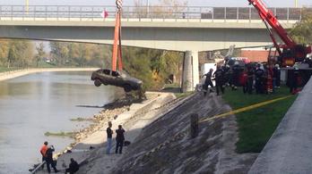 A Dunából húztak ki egy kocsit Győrben, holttest volt benne