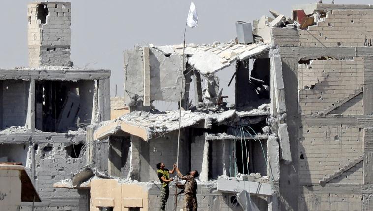 Az Iszlám Állam kitűzte a fehér zászlót