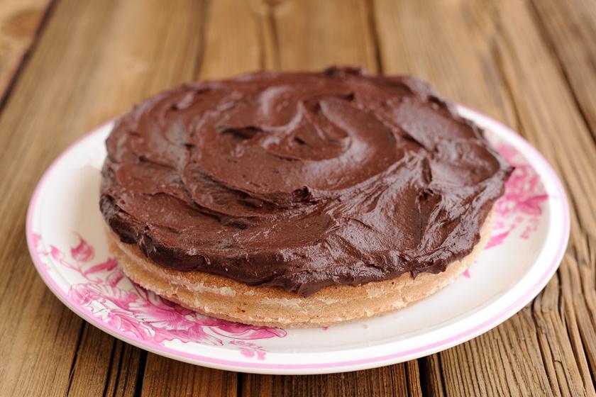 Hagyd a tortabevonókat! Így lesz fényes, tökéletes a házi készítésű csokimáz