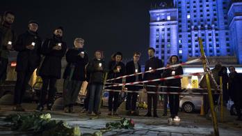 Varsóban felgyújtotta magát egy férfi a kormány elleni tiltakozásul