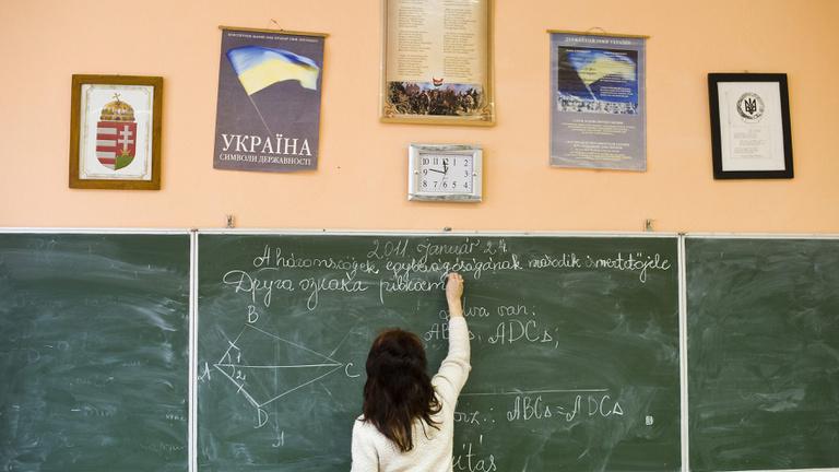 Ukrán nyelvtörvény: Kijev üres garanciát adott Balognak