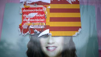 Összeült a spanyol kormány, hogy döntsön Katalónia sorsáról