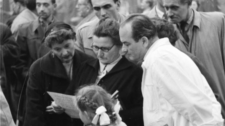 60 évig voltak asztalfiókban: ismeretlen képek a forradalomról