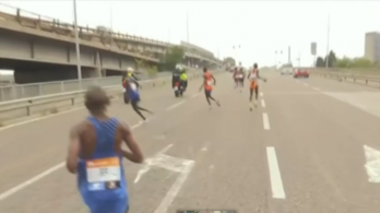 Csőbe húzták a maraton élbolyát, megérte lemaradni