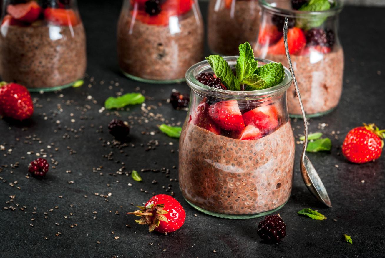 Mennyei, csokis-gyümölcsös chiapuding - Keverd össze este, és reggelre tökéletes lesz