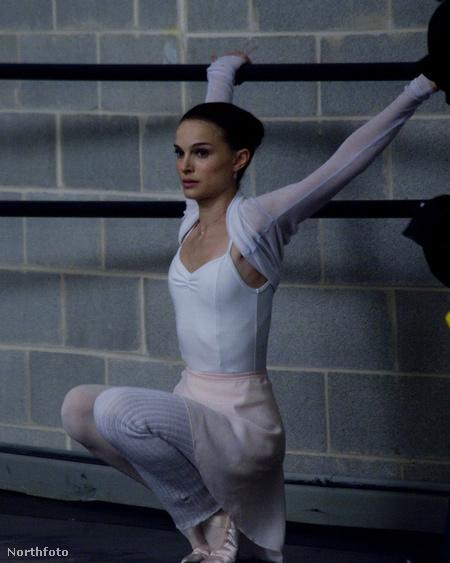 Natalie Portman a Fekete hattyú egy jelenetében