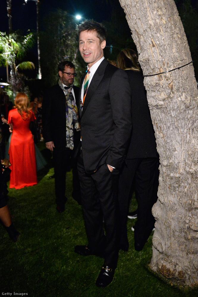 Ott volt Brad Pitt is, aki itt még elég jókedvűnek tűnik, de aztán