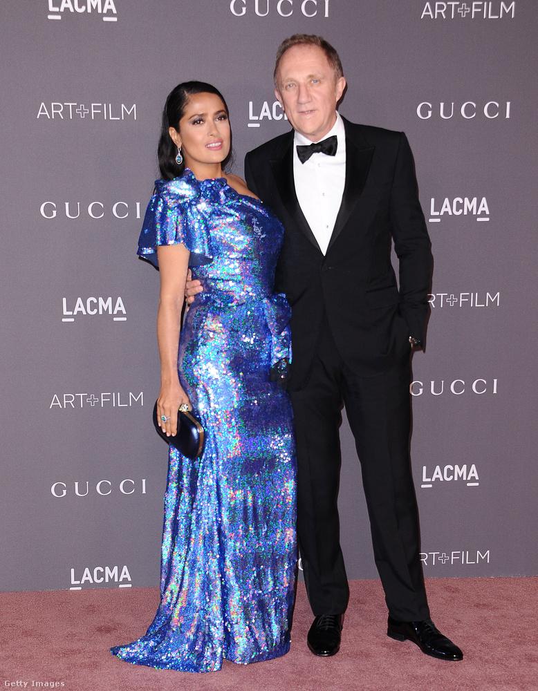 Salma Hayek flitteres Gucciban kísérte el férjét, a legtöbb luxusmárkát uraló Kering tulajdonosát,  Francois-Henri Pinault -t a bálra.