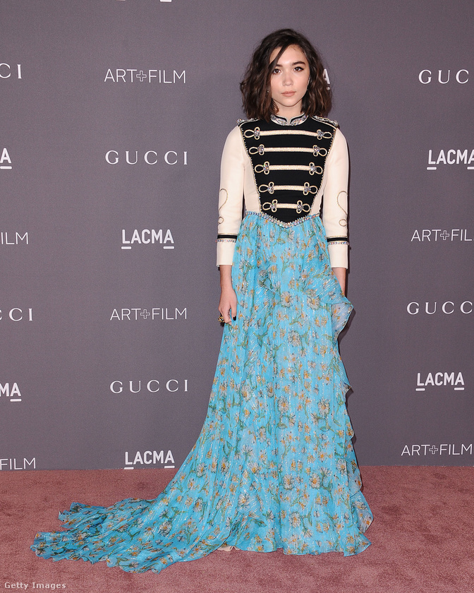 Még a 16 éves színészgyerek, Rowan Blanchard is Gucciban rázta a múzeum által rendezett estélyen.