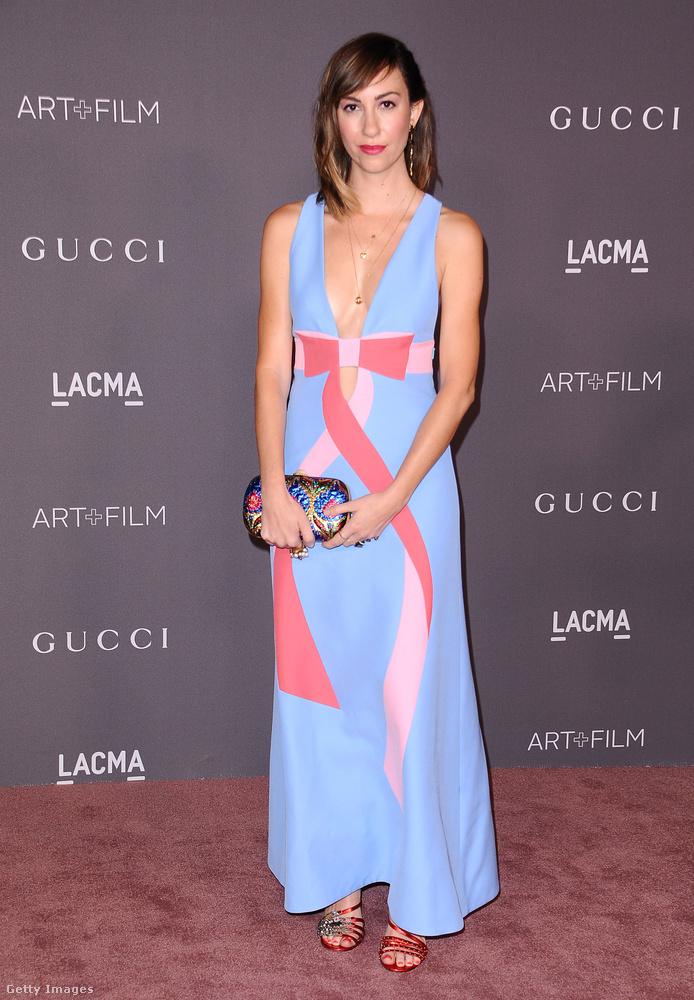 Pink masnis Gucci ruha az elődeihez hasonlóan filmrendezőnek készülő Gia Coppolán.
