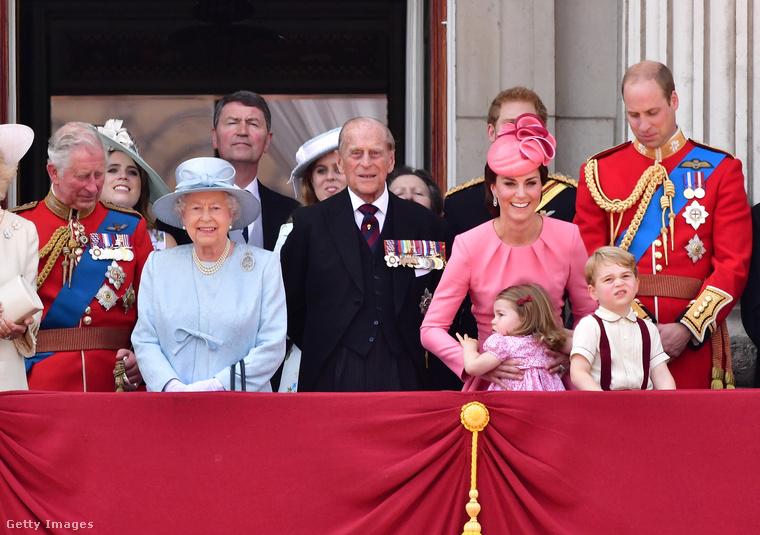 2017-ben Erzsébet királynő egy visszafogott árnyalatot választott saját ünnepségére,