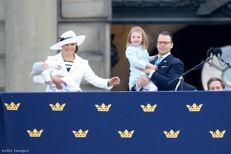 A kiscsalád pedig kollektíve kék-fehérbe öltözött 2016
