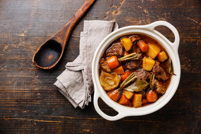 Zamatos, zöldséges marharagu sütőben készítve, sűrű szafttal