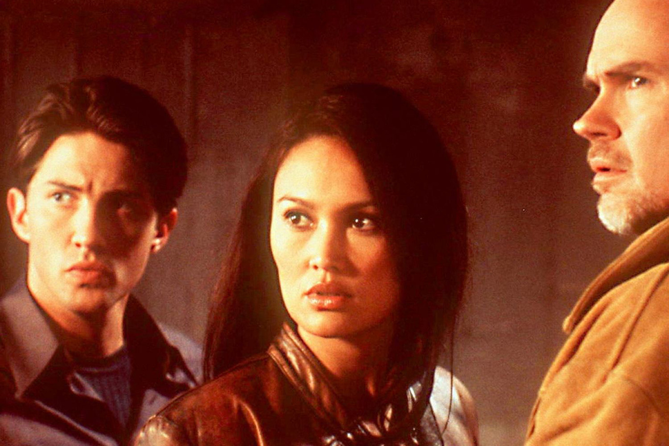 tia-carrere-cover-1