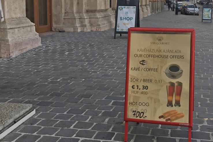 A Vár Gourmet igényes menüje az igényes megállítótáblán