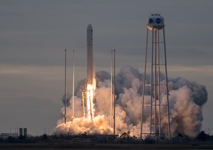 Az Orbital ATK űripari cég Antares rakétája gond nélkül startolt helyi idő szerint vasárnap reggel