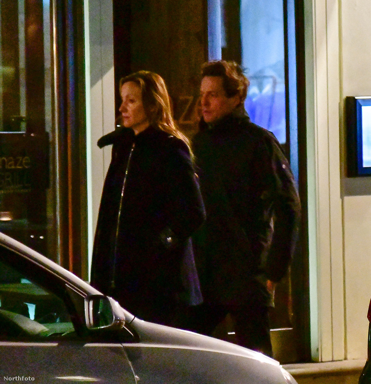Itt viszont egy régóta járó párt láthat: Hugh Grantet és barátnőjét, Anna Ebersteint.