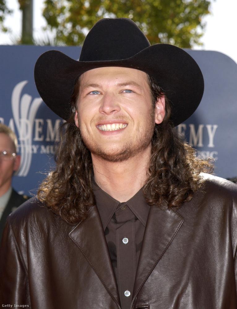 Az első, fantáziadúsan Blake Sheltonnak nevezett lemeze után kiadott még tíz albumot, a legutóbbit november 3-án.