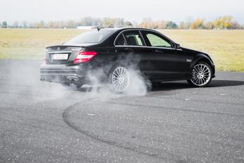 Majd pont azért nem fogyaszt, mert Mercedes?! :DD