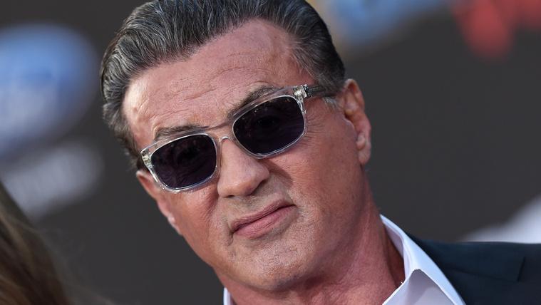 Sylvester Stallone-t egy 16 éves lány megerőszakolásával vádolják