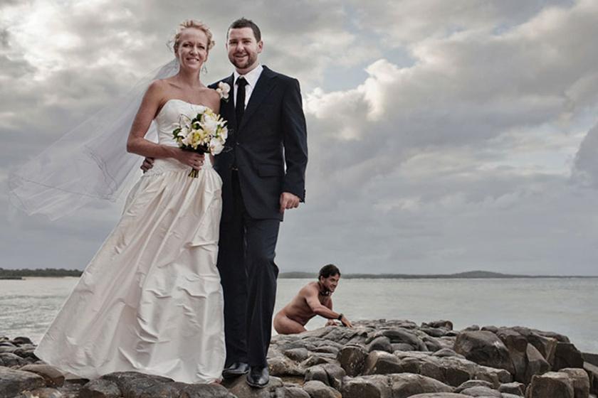 Pucér férfi az esküvői fotón? 30 fénykép, amelyen nem csak az ifjú pár lett megörökítve