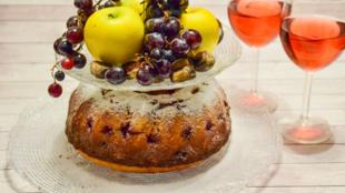 Kuglóf szőlővel