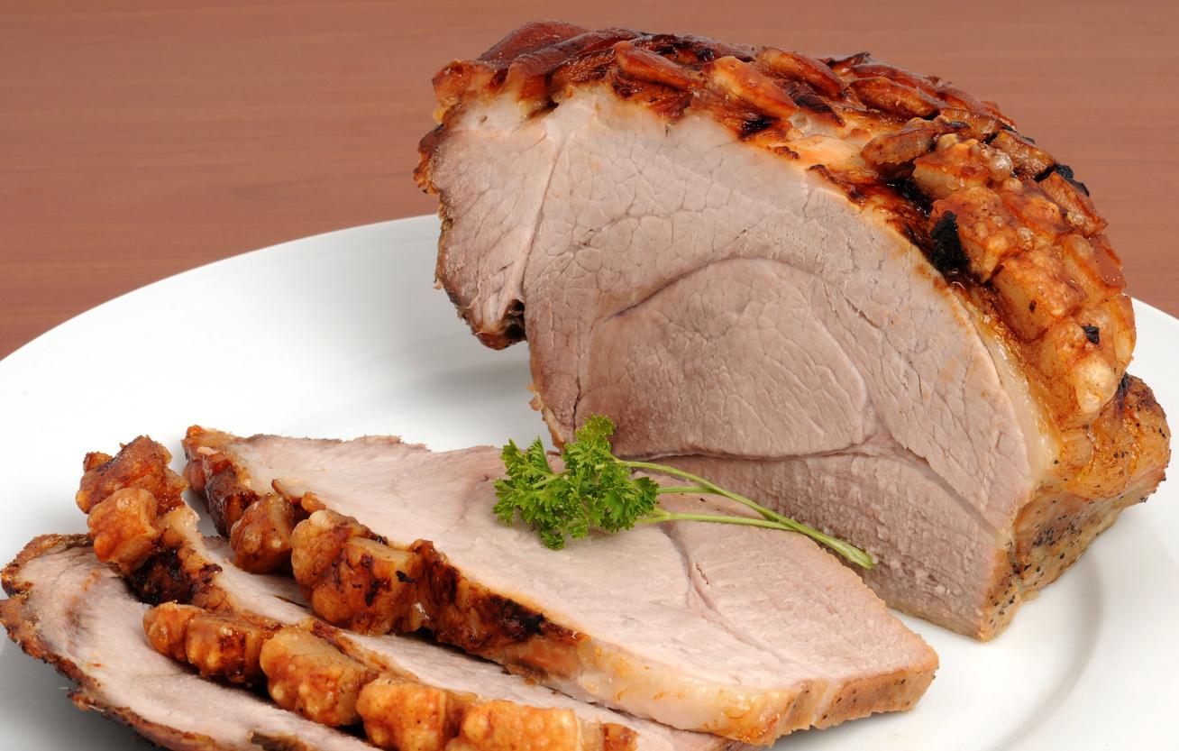Omlós, egyben sült sertéscomb: így pácold, hogy igazán ízletes legyen