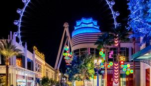Óriás drótkötélpályát feszítenek ki Las Vegas főutcája felett