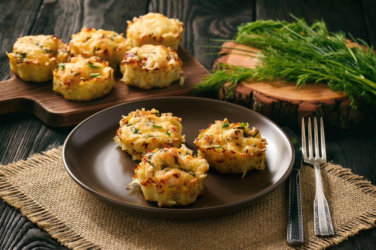Sajtos krumplipüré muffin, sütőben sütve: kívül ropogós, belül krémes