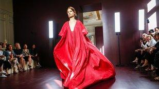 Mennyei testek: a divat és a katolikus képzelőerő
