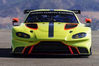 Vantage GTE: Ferrari-verésre fejlesztve