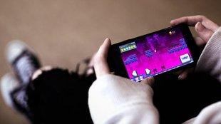 A nyolcvanas éveket idéző játékon tanul információ-biztonságot a felhasználó