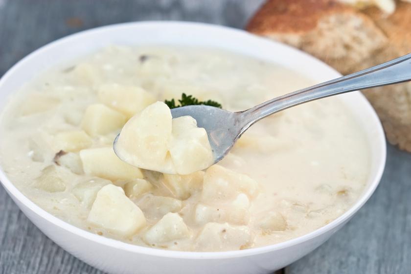 Sűrű, babéros krumplifőzelék, amit a gyerekek is örömmel megesznek